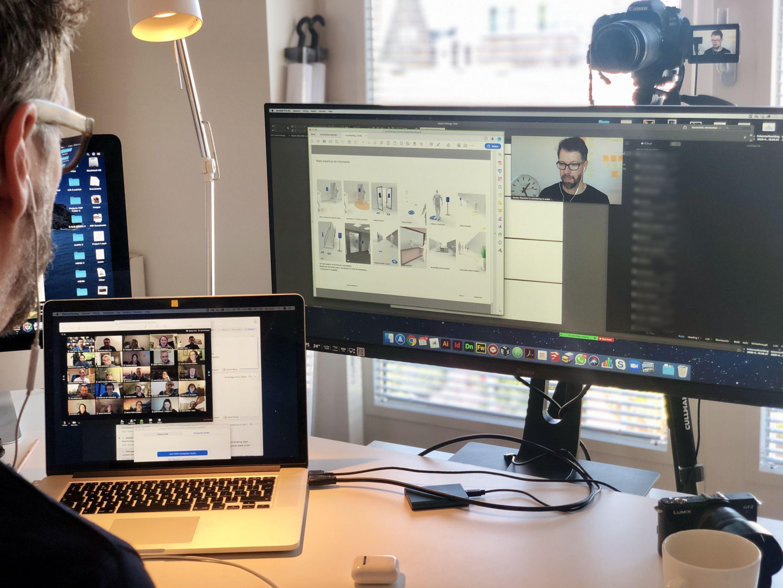 Sander Baumann aan het werk vanuit de thuisstudio